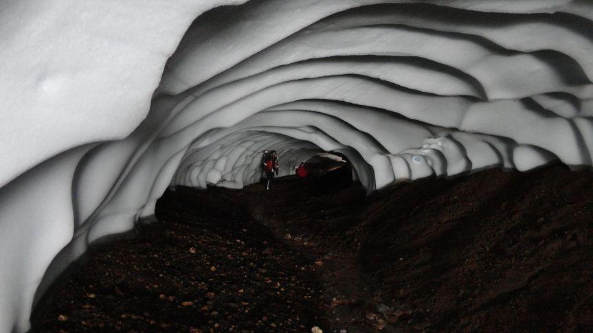 Scotland glacier caves may symbolize beginning of iceage
