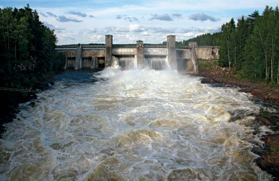 Hydroelectric plants may pollute water with methylmercury