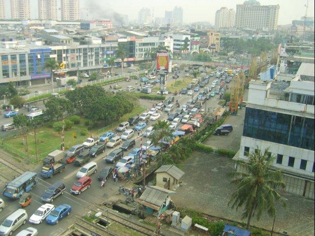 Greenpeace Berates Jakarta's Artificial Rain PollutionPlan